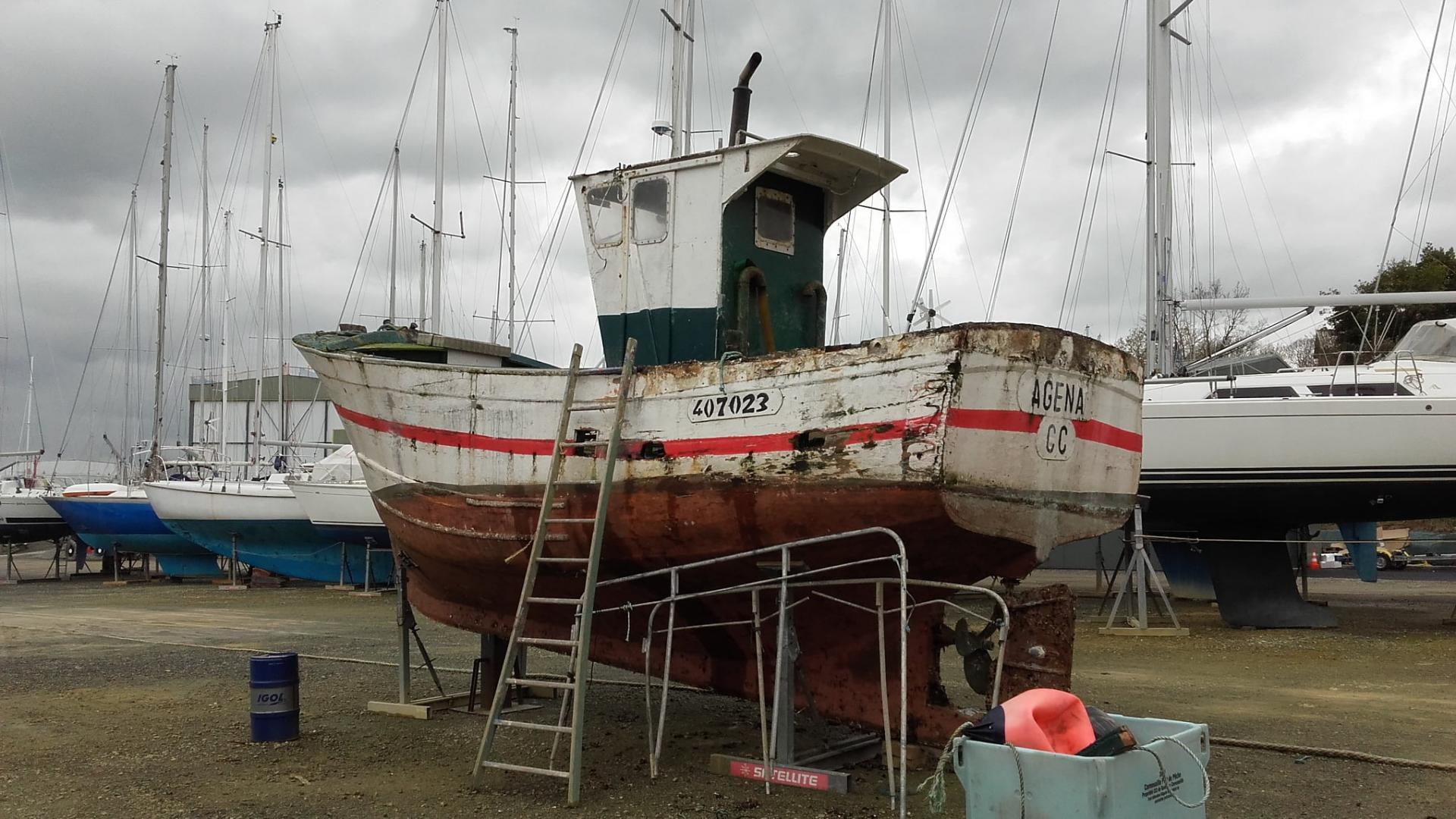 Agena au port a sec b fabrice roperch